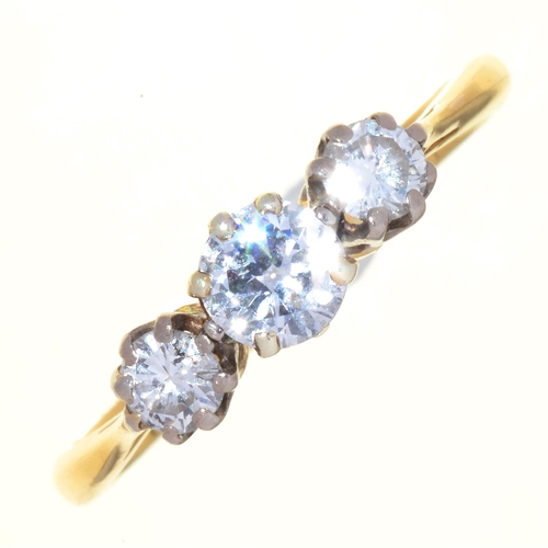 113 - A DIAMOND THREE STONE RING WITH ROUND BRILLIANT CUT DIAMONDS IN 18CT GOLD, SHEFFIELD 1978, 2.6G...
