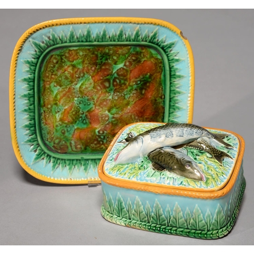 245 - A GEORGE JONES MAJOLICA SARDINE BOX, COVER AND STAND, C1880, THE STAND AND UNDERSIDE IN TORTOISESHEL...