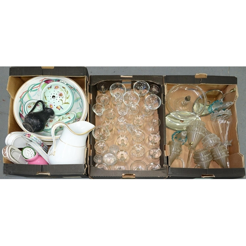 414e - A VICTORIAN GLASS FLOWER STAND (DAMAGED), DRINKING GLASS AND LATE 19TH C MINTON AND OTHER CHAMBER W...