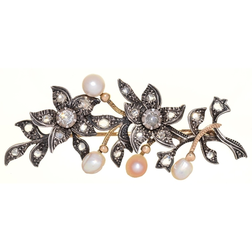 42 - A NORTHERN EUROPEAN CULTURED PEARL AND DIAMOND SPRAY BROOCH, C1900, MOUNTED IN SILVER AND GOLD, 65MM...