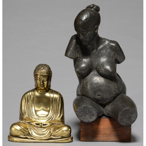 500 - A BRONZED RESIN SCULPTURE OF A NUDE WOMAN ON WOOD BASE, 47CM H AND A SIMILAR GILT RESIN SCULPTURE OF...