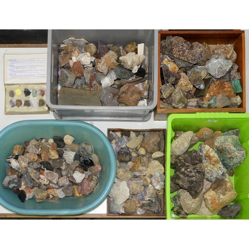 586 - A COLLECTION OF ROCKS AND MINERALS, INCLUDING BLUE JOHN, MALACHITE AND OTHER COPPER MINERALS, QUART...