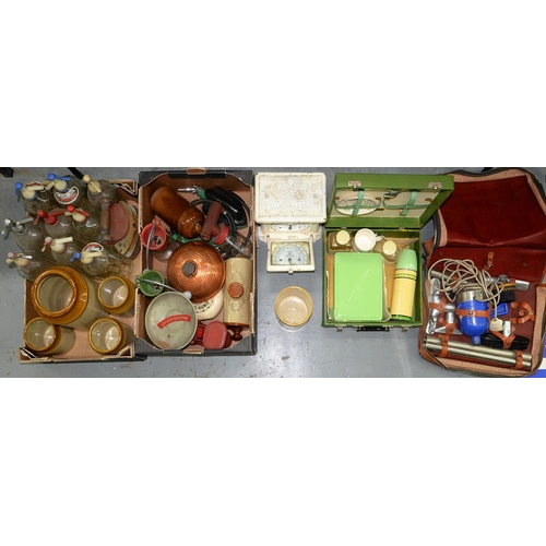 597 - MISCELLANEOUS VINTAGE KITCHENWARE, INCLUDING SODA SIPHONS, STONEWARE JARS, ETC...