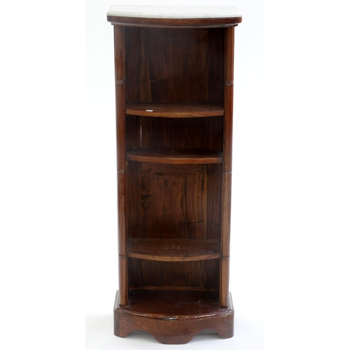 811 - A MAHOGANY BOW FRONTED NARROW OPEN BOOKCASE, 20TH C, IN VICTORIAN STYLE, WITH MARBLE SLAB AND FAUX B...