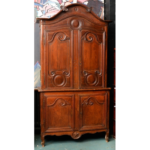 974 - A LOUIS XVI CHESTNUT BUFFET A DEUX CORPS, 18TH / 19TH C, THE TWO PAIRS OF PANELLED DOORS ENCLOSING S...