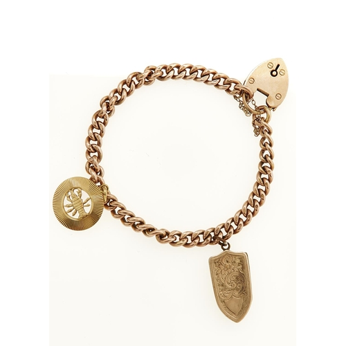 50 - A 9CT GOLD CURB BRACELET AND PADLOCK MOUNTED WITH A GOLD SCORPION CHARM AND BASE METAL LOCKET, 20CM ...