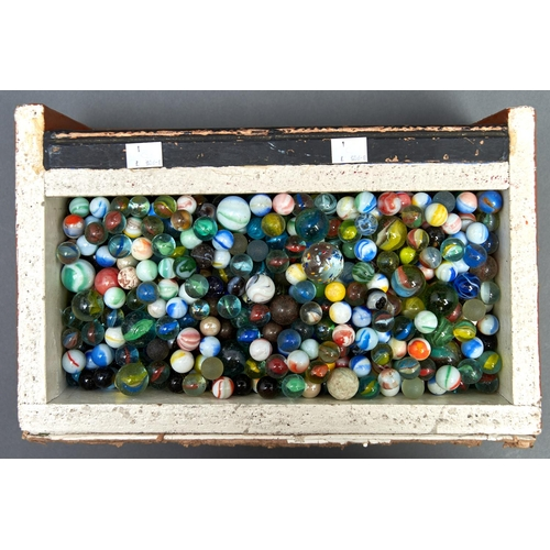 1200 - A collection of glass marbles,various sizes, many single, some double swirl, vintage and later...