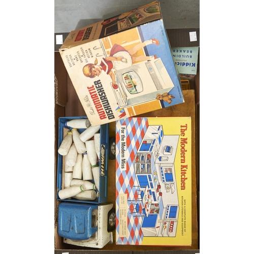 1164 - Vintage toys, including the Tudor Rose automatic dish washer, boxed, Kiddicraft building beakers, bo...