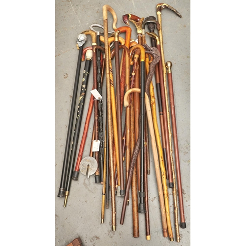 1170 - A collection of mid to late 20th c walking sticks (25)