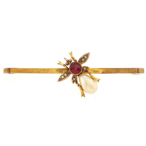 151 - A gem set gold bee brooch, marked 9ct, 2.5g