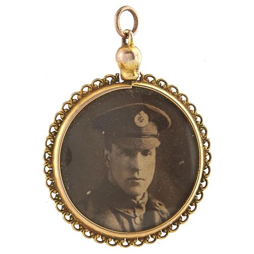 170 - A 9ct gold locket, 5g