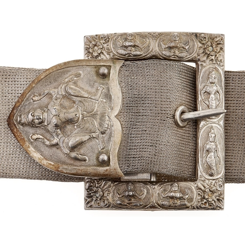 342 - A South East Asian silver mesh belt waist belt and cast and chased silver clasp,71cm l overall, 7oz...