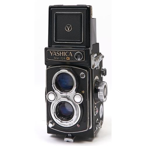 409 - A Yashica Mat-124 G twin lens reflex camera,with Yashinon 80mm F3.5 lens and Copal SV Shutter origi...