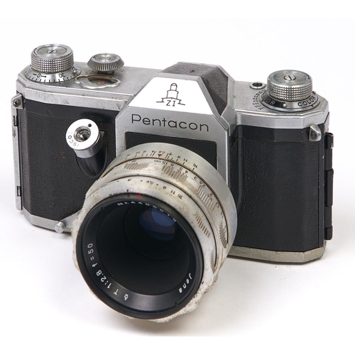446 - A Pentacon ZI SLR 35mm camera,with Carl Zeiss Jena T 50mm F2.8 lens
