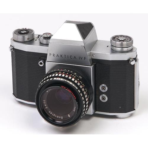 452 - A Praktica IV F SLR 35mm camera, with Meyer-Optik Gorlitz Domiplan 50mm F2.8 lens, original case...