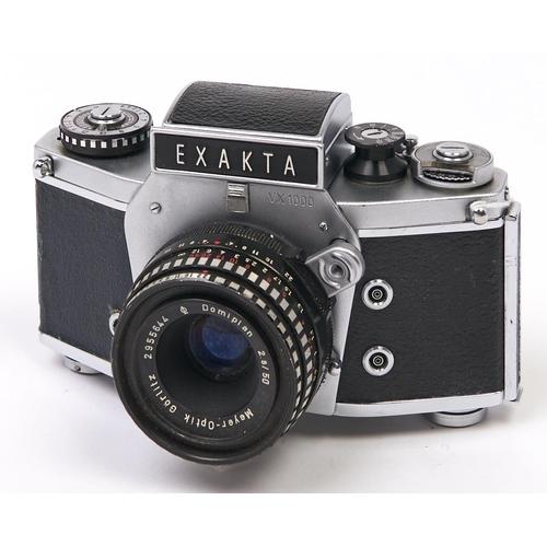 460 - An Ihagee Exakta VX1000 SLR 35mm camera, with Meyer-Optik Gorlitz Domiplan 50mm F2.8 lens...