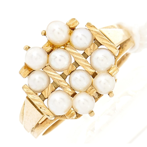 6 - A cultured pearl cluster ring, in gold, foreign control mark, 4.4g, size L
