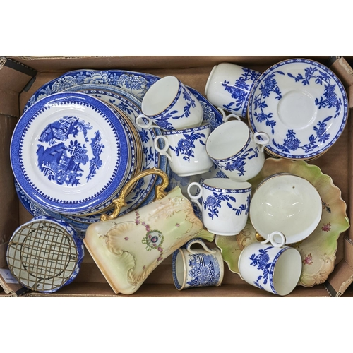 951 - An Aynsley blue and white tea service, two Worcester Willow pattern plates in blue and white, a Crow...