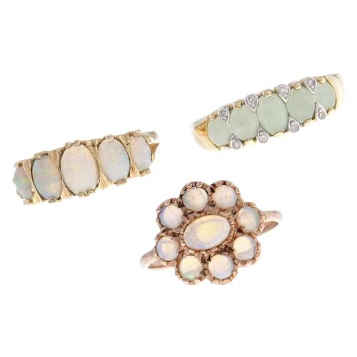 534 - Three gold rings, variously gem set, 7.5g, various sizes