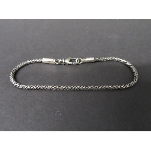 17 - Vintage silver snake link bracelet fully hallmarked 9 grams...