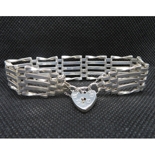 18 - Vintage silver 5 bar gate bracelet with padlock chain HM London 1978 16g...