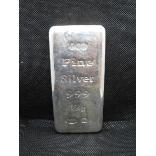 261 - 1kg bar of fine silver 999...