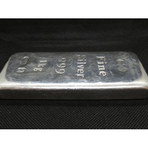 261 - 1kg bar of fine silver 999...