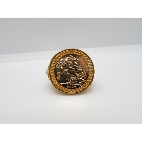 Boxed mint condition Royal Mint flower half sovereign ring boxed and unworn