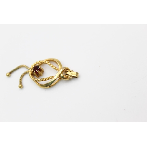 15 - vintage 9ct gold garnet set drop pendant 2g