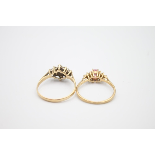35 - 2 x 9ct gold gemstone rings inc cluster 3.5g Size P on the left and size O on the right