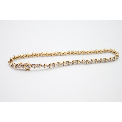 36 - 9ct gold diamond tennis style bracelet 5.5g