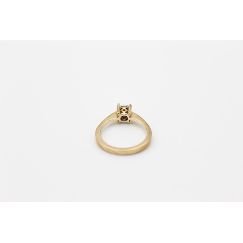 52 - vintage 9ct gold diamond solitaire ring 2.8g Size L