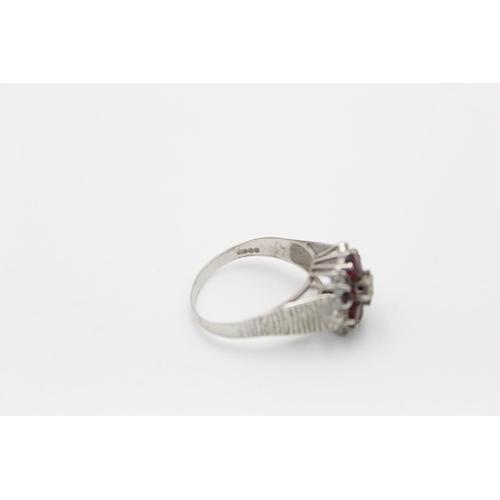 6 - 9ct White gold diamond & garnet cluster ring 3.3g Size Q