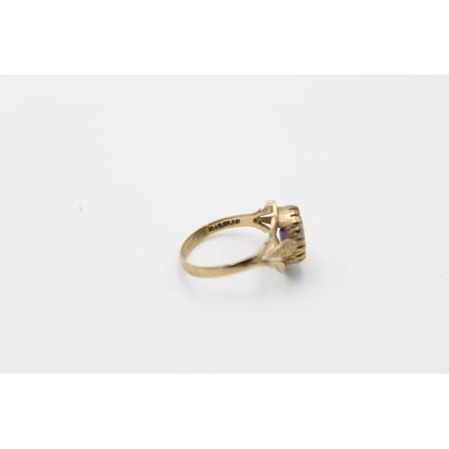 60 - 2 x 9ct gold gemstone gypsy rings inc garnet, amethyst 5.5g Size L for both