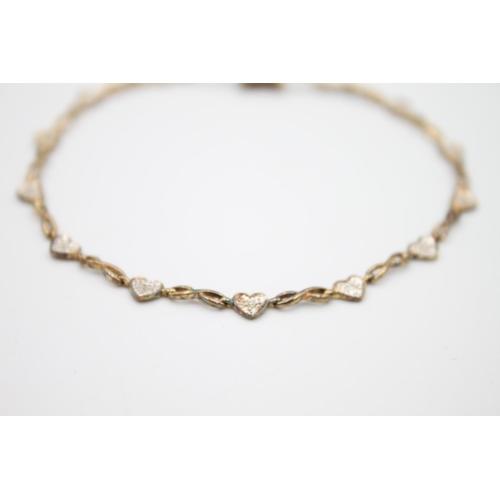 8 - 9ct gold diamond set heart panel bracelet 3.6g