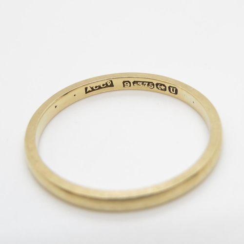 26 - 9ct gold wedding band size S 2g