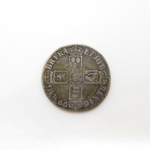 28 - William III shilling 1699