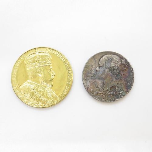 32 - Victorian/Edwardian Jubilee Coronation Medallions