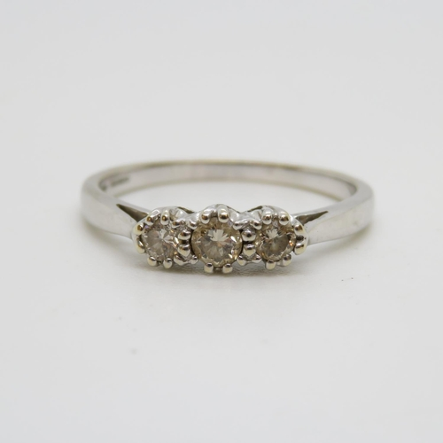 1 - 18ct and diamond white gold ring 2.7g size P