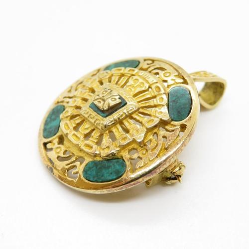 16 - Jade and 18ct gold brooch 1