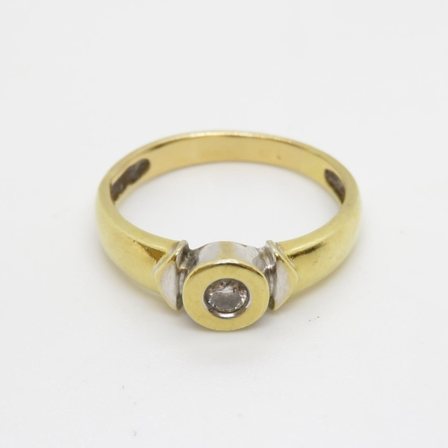 3 - 18ct and diamond ring approx .2ct diamonds 4g  size P