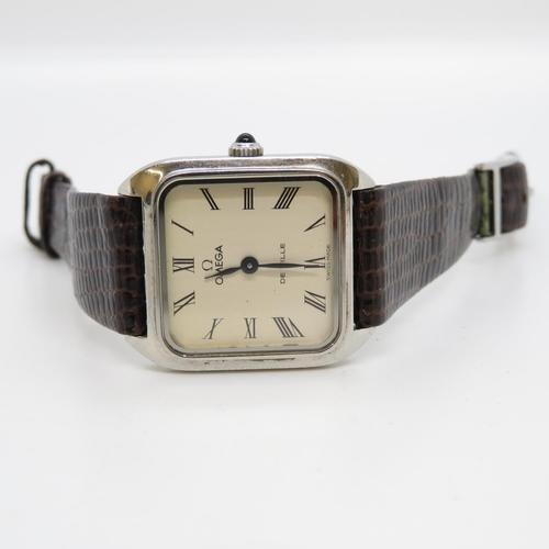 54 - Gents Omega Deville mid size wristwatch original strap