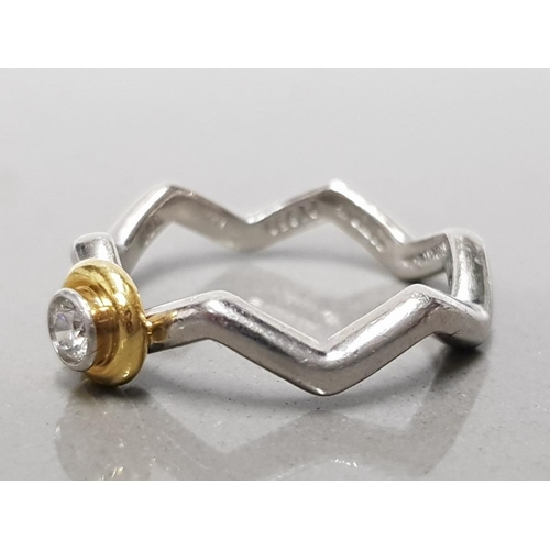 17 - PLATINUM AND DIAMOND TIFFANY AND CO PALOMA PICASSO ZIG ZAG RING SIZE M GROSS WEIGHT 5.9G...