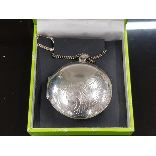 47 - EXTREMELY LARGE 45 MM DIAMETER 17.7 GRAMS LOCKET OR PILL SAFE ON LONG 12 CM 925 SILVER CHAIN TOTAL W...
