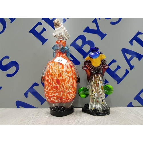 32 - FAT MURANO GLASS DECANTER (HAT CHIPPED) TOGETHER WITH A MURANO GLASS CLOWN FIGURE IN PERFECT CONDITI...
