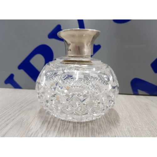 44 - SILVER HALLMARKED LIDDED PERFUME BOTTLE WITH GLASS STOPPER, SILVER LID WEIGHT 21.3 GRAMS