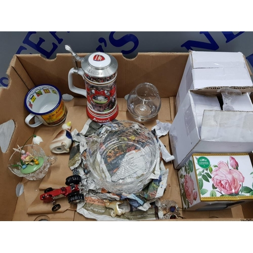 53 - BOX OF MIXED ITEMS INCLUDES ARSENAL FC STEIN COLLECTION, BURNS HAND CRAFTED CRYSTAL GLASS, W.M WIDDO...