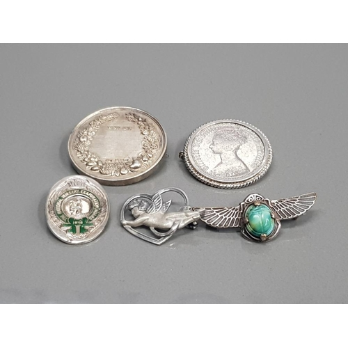 5 ORNATE SILVER BROOCHES 65.6G GROSS