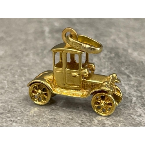 18ct gold Model T Ford car pendant/charm 6.2g