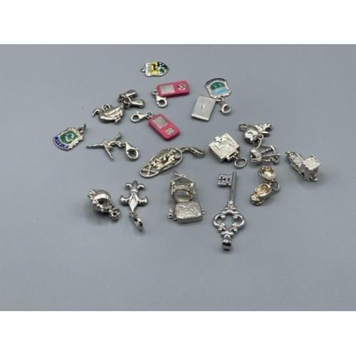 20 assorted silver charms 41.4g